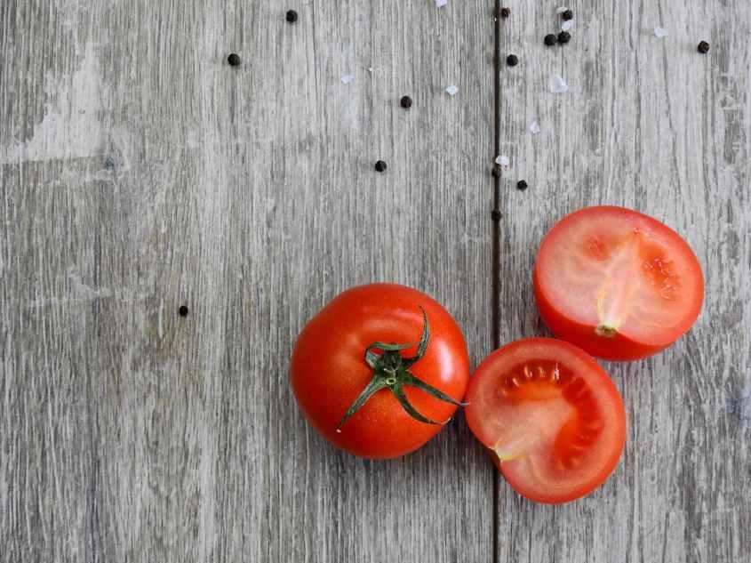 Tomate são embalados com vitaminas, manter a pressão arteria