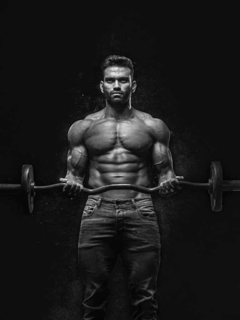 Depois de encontrar o peso certo, tente levantar 40 repetições, independentemente de quantos conjuntos sejam necessários.