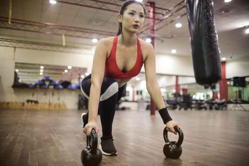 A ingestão de carboidratos também evita a quebra de músculos e garante que a proteína ingerida seja usada para recuperar e acumular tecido muscular